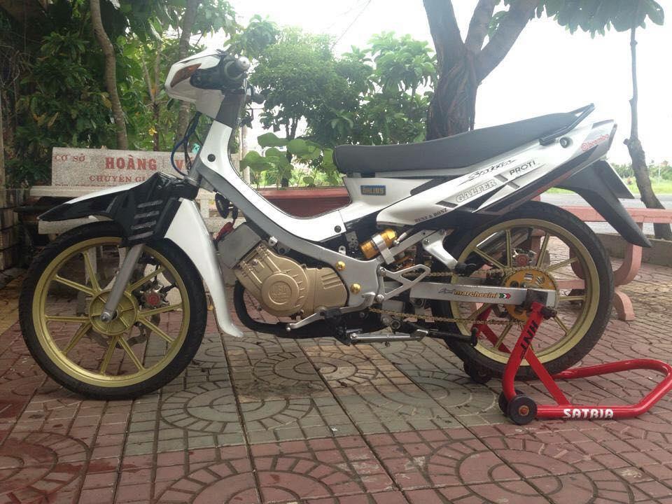 Satria 2000 do phong cach chat choi cua biker Kien Giang - 3