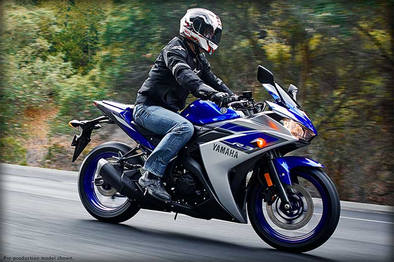 Clip So sanh Yamaha R3 Honda CBR300R KTM RC390 va Kawasaki Ninja 300 - 4