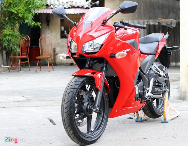 Clip So sanh Yamaha R3 Honda CBR300R KTM RC390 va Kawasaki Ninja 300 - 5