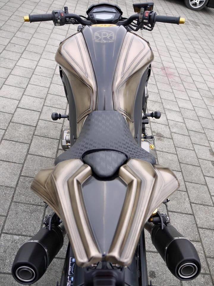 Kawasaki Z1000 do pha cach voi cap banh cam sieu khung - 3