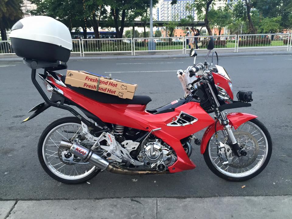 Raider do dep mat cua nhan vien giao banh pizza - 4