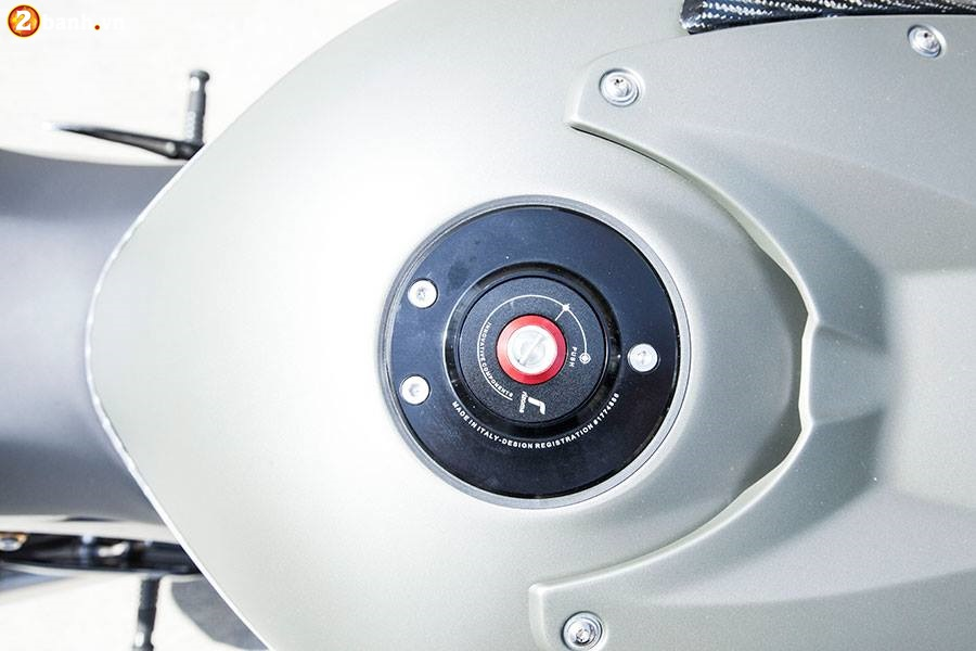 BMW S1000RR do chat choi voi phien ban DragBike - 5