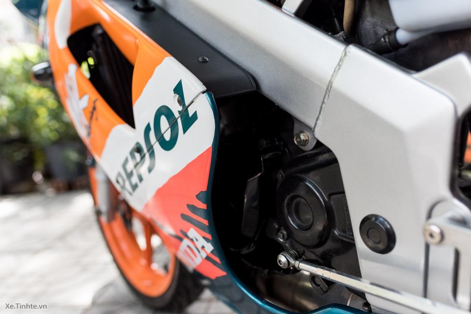 Can canh hang hiem Honda NSR150SP Repsol doi 1995 - 20