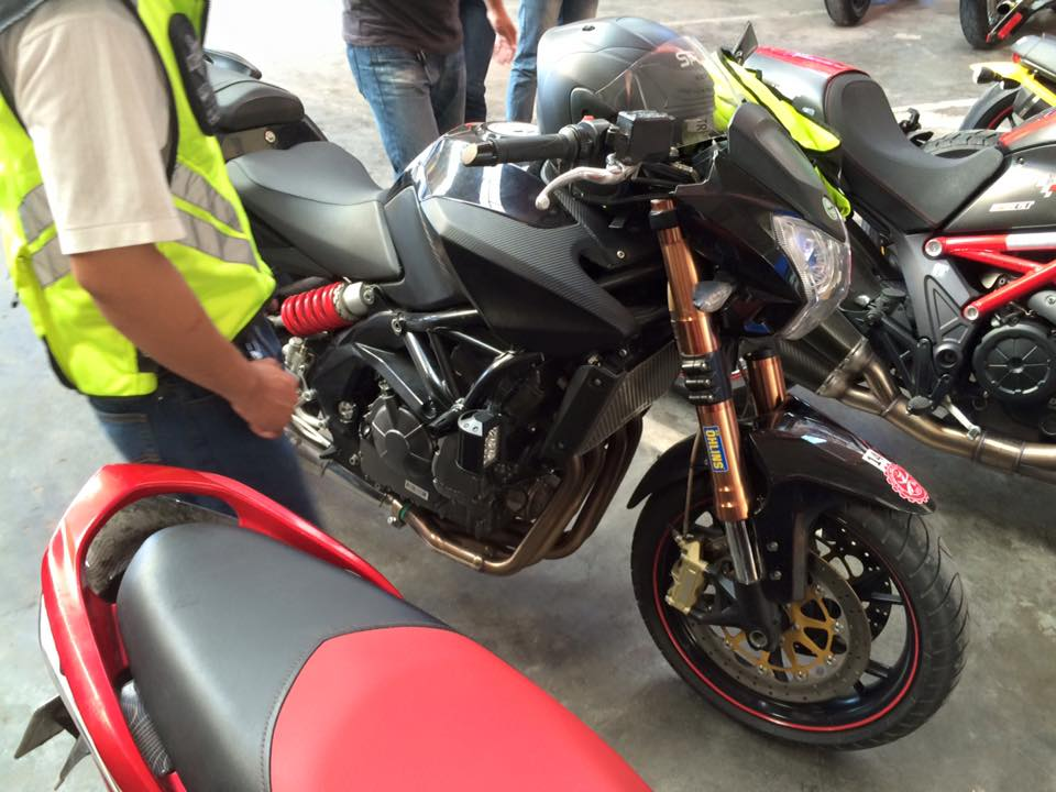Can ra di co vo mong to Benelli 600cc - 7