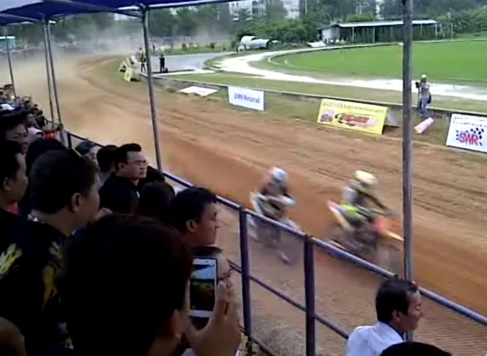 Clip dua xe 2 thi trong mua tai san Phu Tho - 2