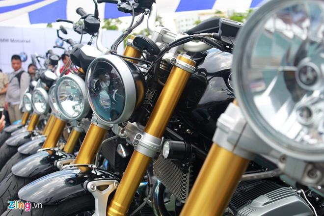 Dan moto BMW R NineT hoi tu ve Vietnam Motorbike Festival 2015 - 11