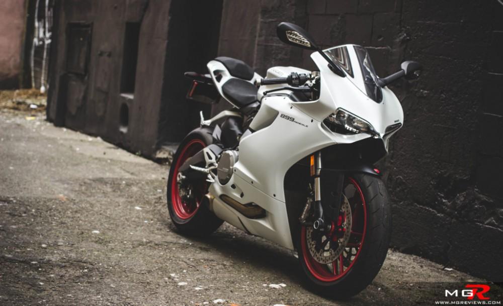 Ducati 899 Panigale dot lot net po day phan thich tai VMF 2015