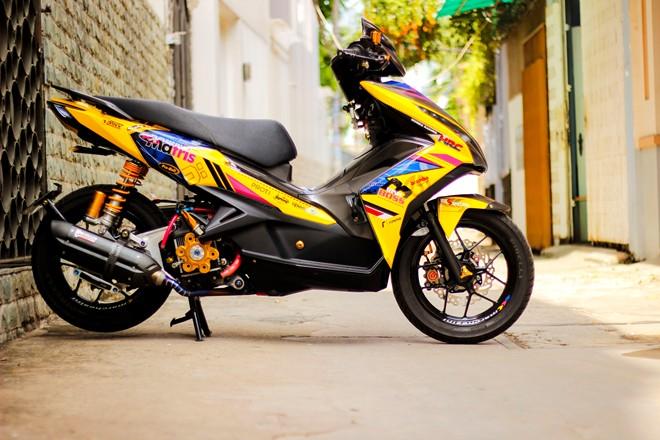 Honda AirBlade len do choi khung cua biker Sai Gon - 2