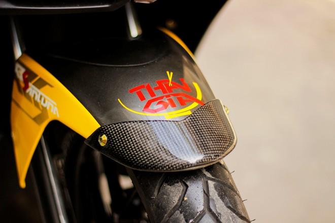Honda AirBlade len do choi khung cua biker Sai Gon - 4