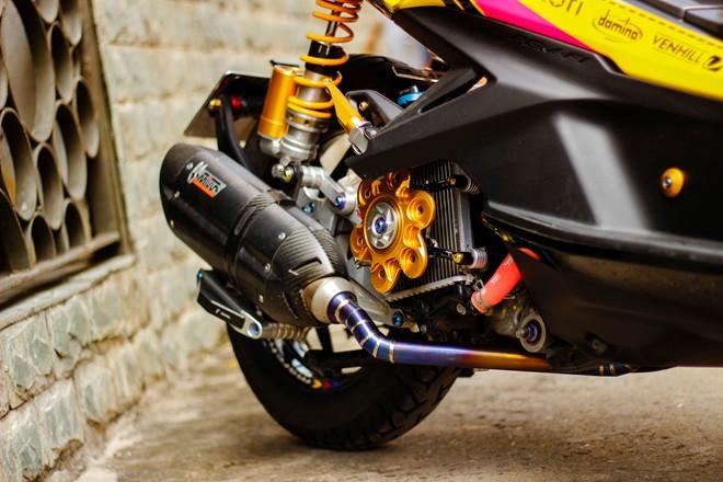 Honda AirBlade len do choi khung cua biker Sai Gon - 6