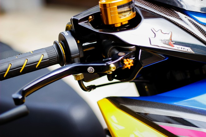 Honda AirBlade len do choi khung cua biker Sai Gon - 11