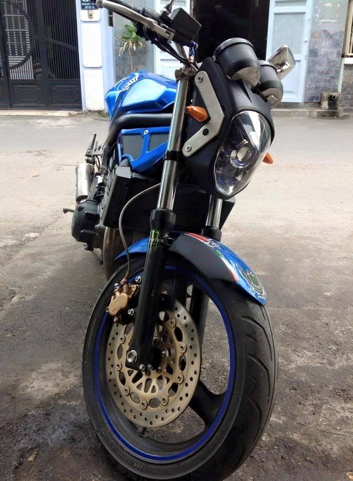 Honda CB1 Duoc tan trang voi phong cach do doc la