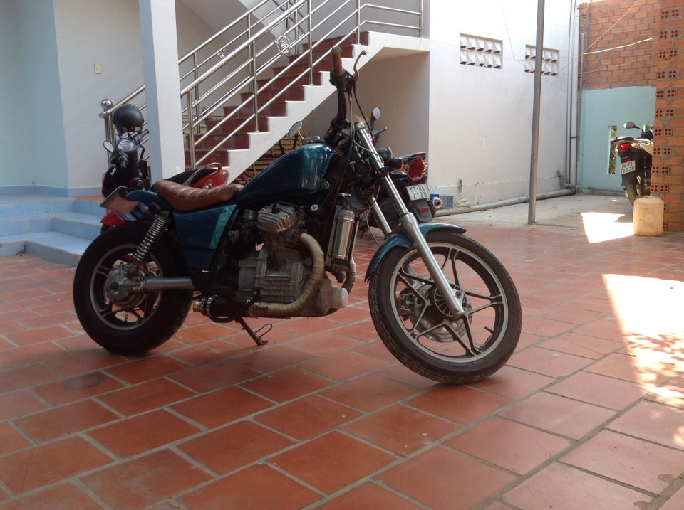 Honda GL 400 E Ban xe ve nuoc - 2