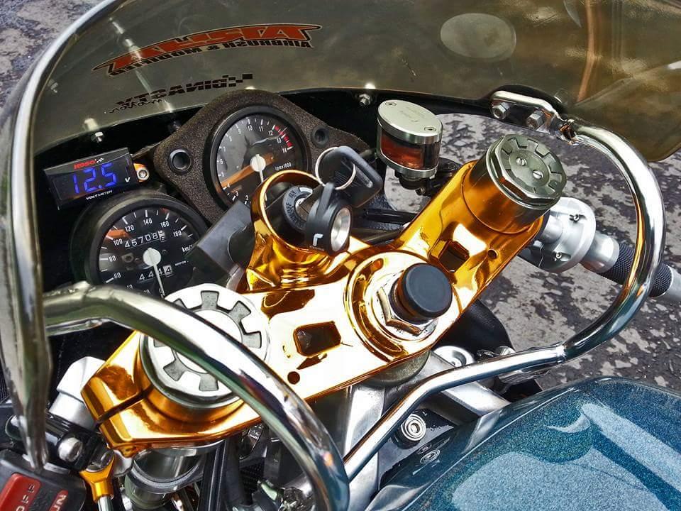 Honda NSR 250 su long lanh den tu con xe co - 2