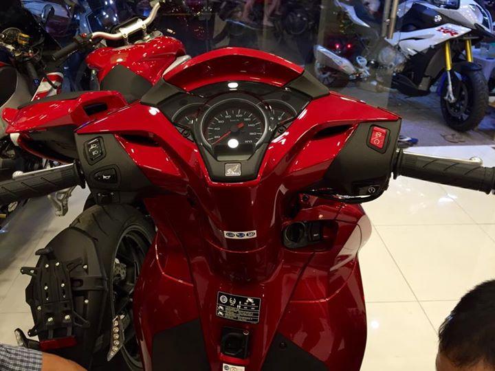 Honda Sh300i 2015 dau tien ve Viet Nam voi gia hon 300 trieu dong - 11