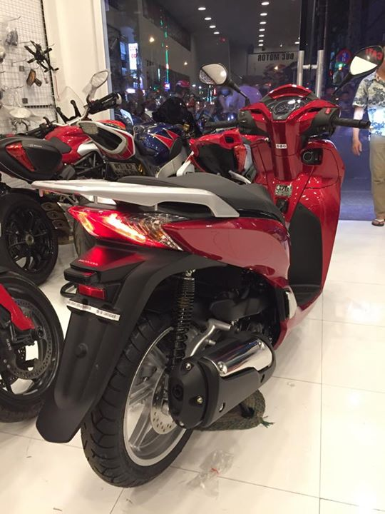 Honda Sh300i 2015 dau tien ve Viet Nam voi gia hon 300 trieu dong - 15