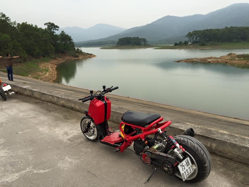 Honda ZoomerX mau xe scooter do ham ho - 2