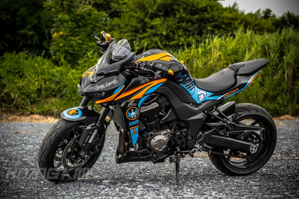 Kawasaki Z1000 dep an tuong voi phien ban Lorenzo Knight - 2
