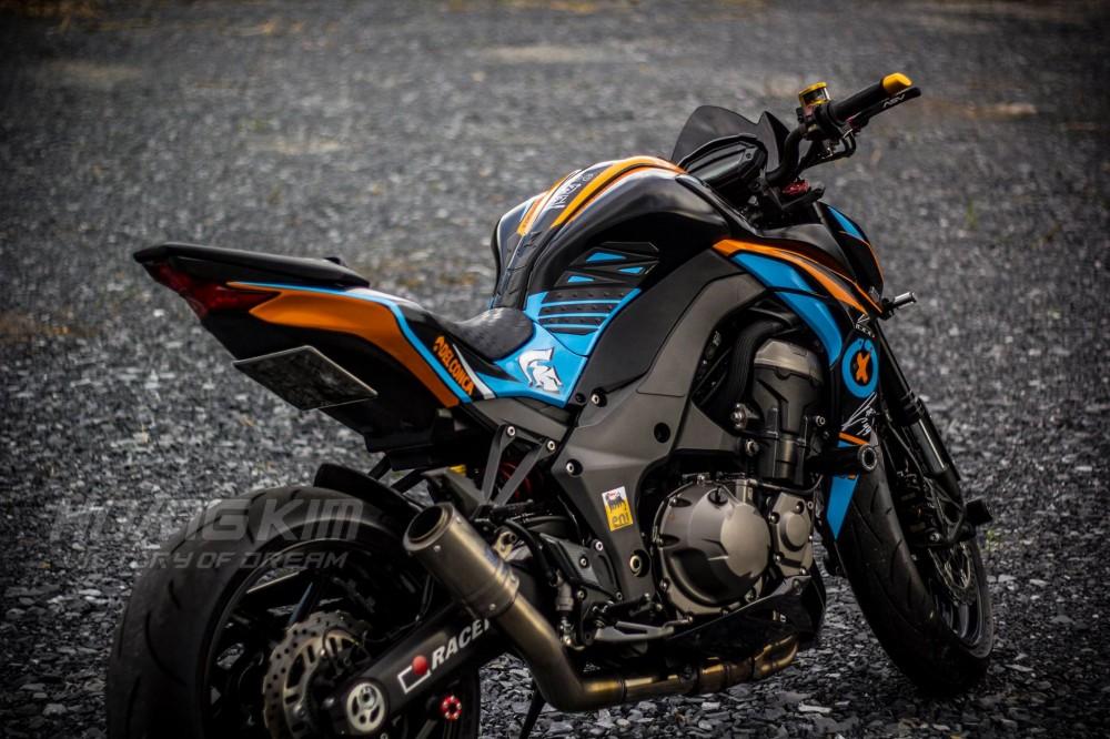 Kawasaki Z1000 dep an tuong voi phien ban Lorenzo Knight - 9