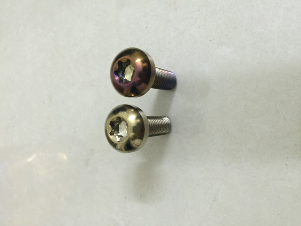 Oc luc giac bong titanium 8mm dai 2f5