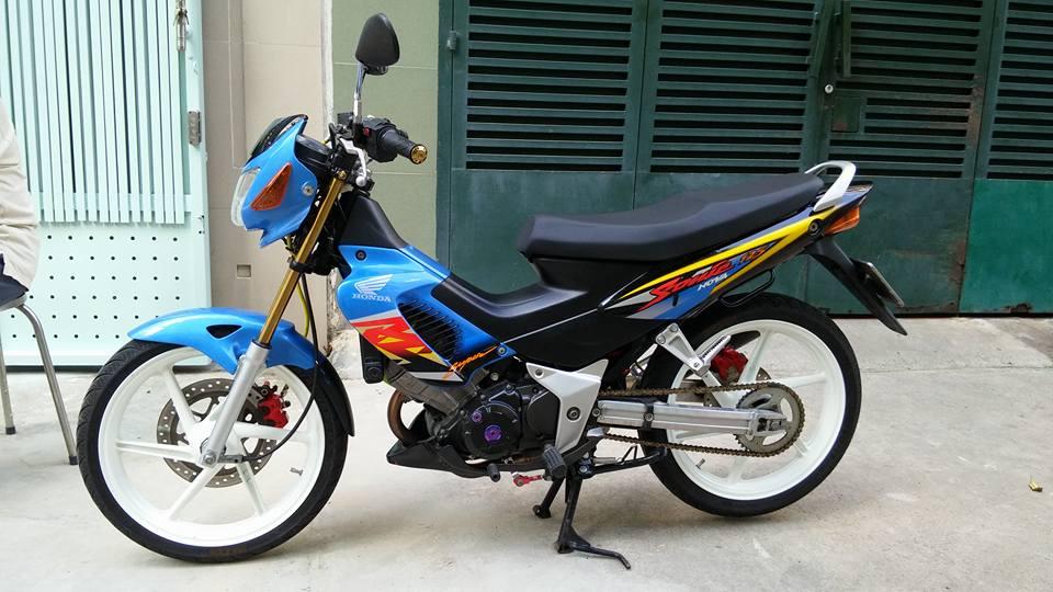 Sonic 125cc con xe dang cap cua hang Honda - 2