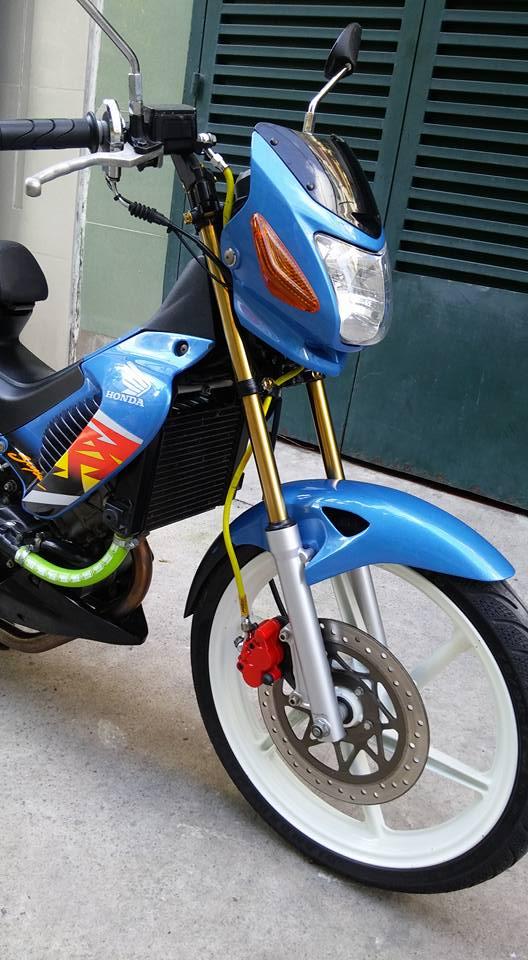 Sonic 125cc con xe dang cap cua hang Honda - 3