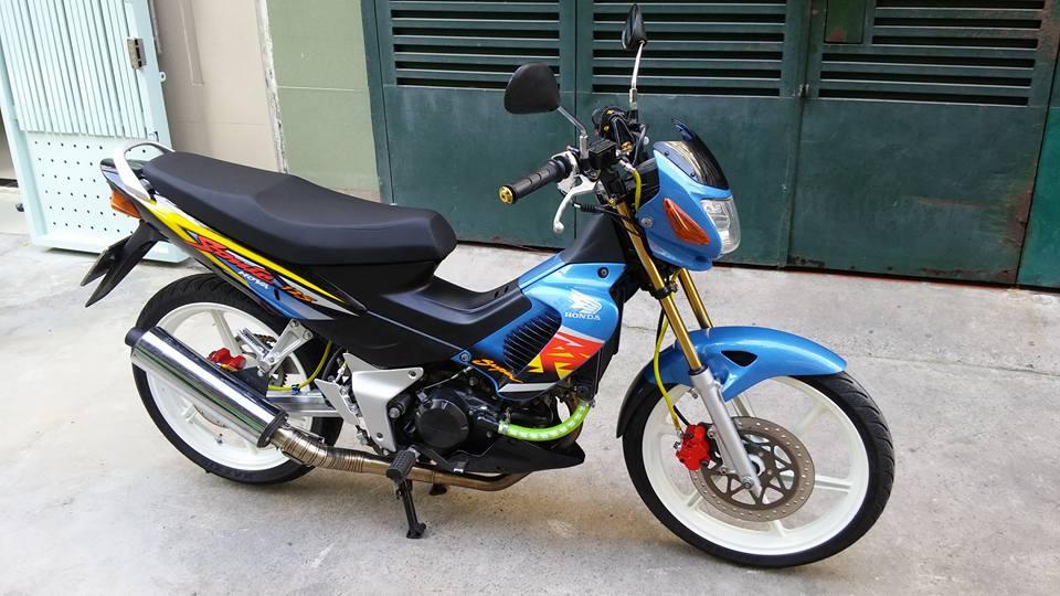 Sonic 125cc con xe dang cap cua hang Honda - 4
