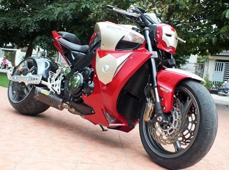 Suzuki bKing phien ban Ironman - 2