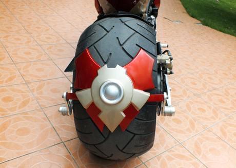 Suzuki bKing phien ban Ironman - 5
