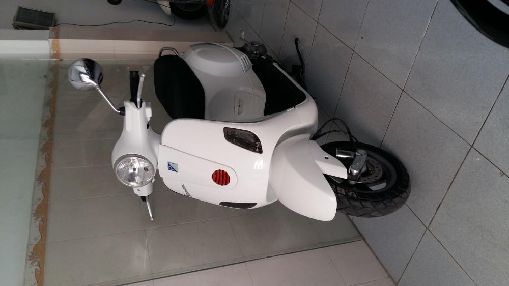 Vespa LX150 nhap italia dk 42009 mau trang