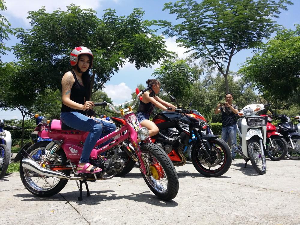 Xe Cub Do bao Hong cua Mot tay phuot Sai Gon - 6