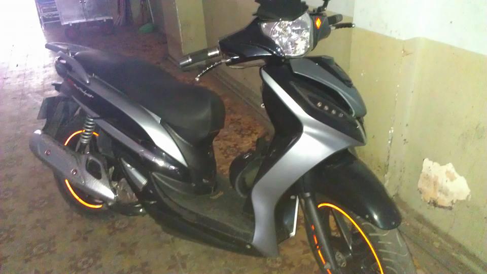 Xe Shark EFI 125cc 2013 do kieng