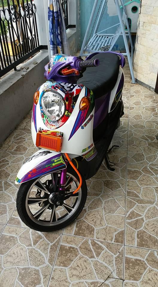 Yamaha Mio Classico 110cc con xe cua nu biker chiu choi