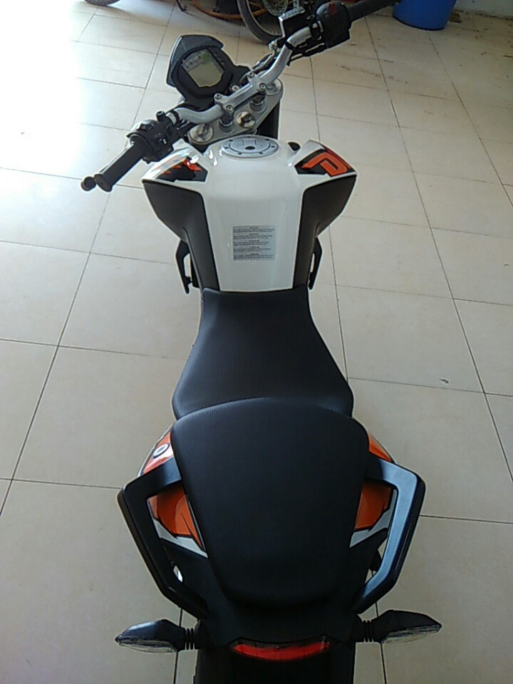 Ban xe KTM duke 200 khong ABS - 2