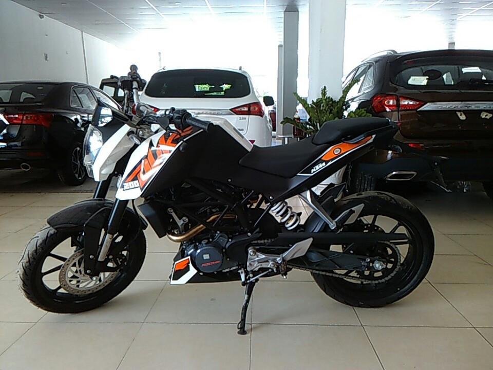 Ban xe KTM duke 200 khong ABS - 3