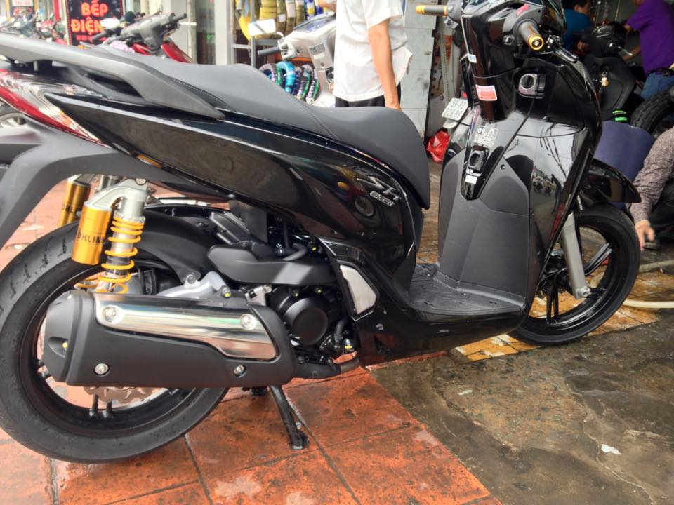 Cap nhat do choi kieng nhe cho SH300i 2015 - 2
