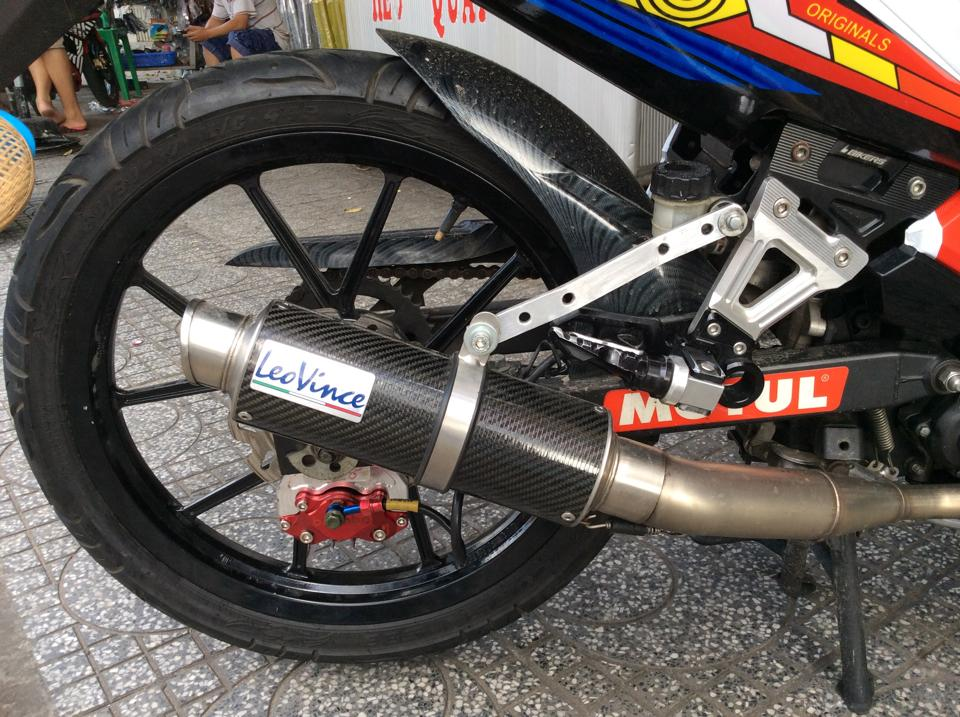 Chiec ma Exciter 135cc phien ban 46 Rossi - 4