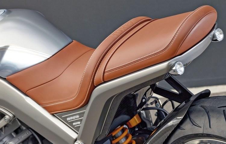 Chien binh giap sat Horex VR6 Silver Edition - 6