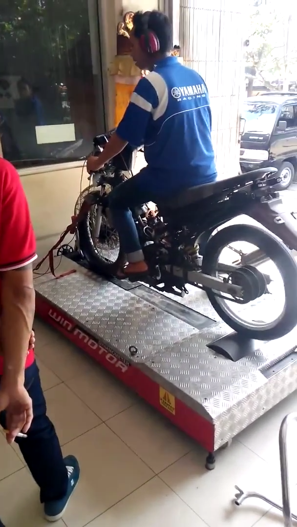 Clip Test Exciter do khung tai Hang Yamaha