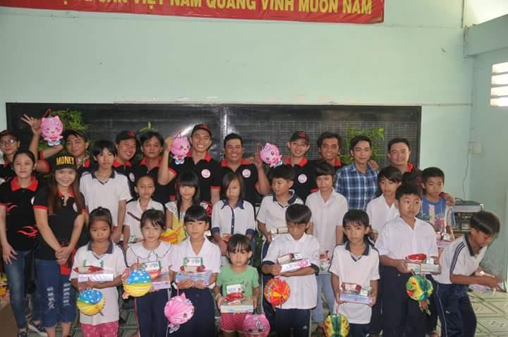 Club Exciter Sai Gon cung hanh trinh Chia Se Yeu Thuong 2015 - 4