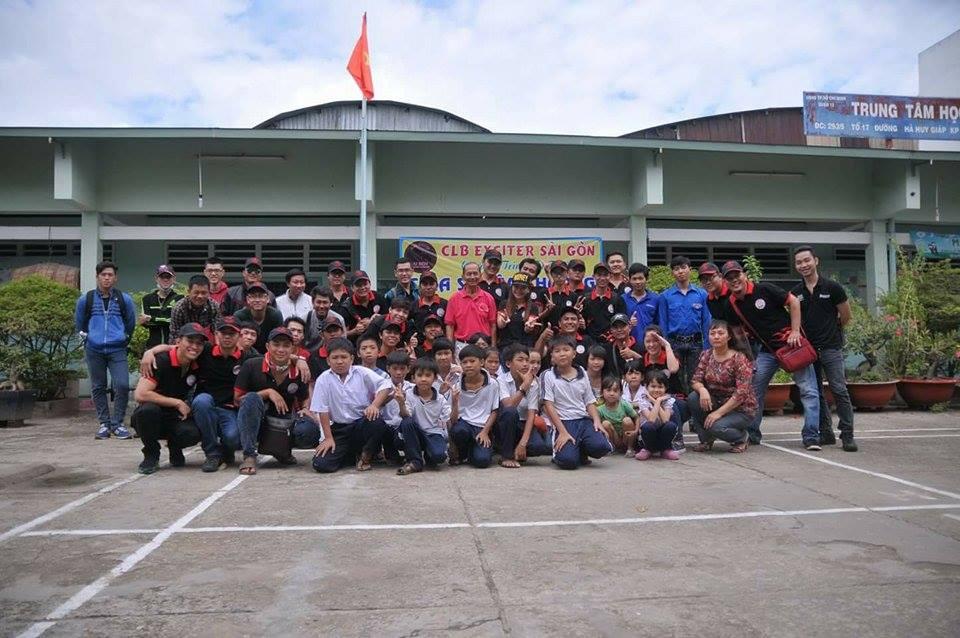 Club Exciter Sai Gon cung hanh trinh Chia Se Yeu Thuong 2015 - 16