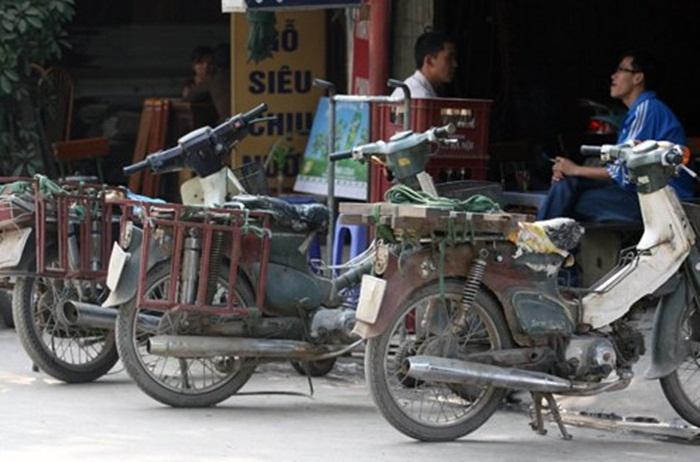 Cub do Streetcub cua Nu biker ca tinh va Chang sinh vien me do xe