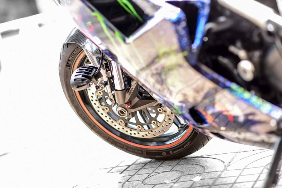 Ducati 848 EVO Corse long lay voi bo canh Decal day an tuong - 5