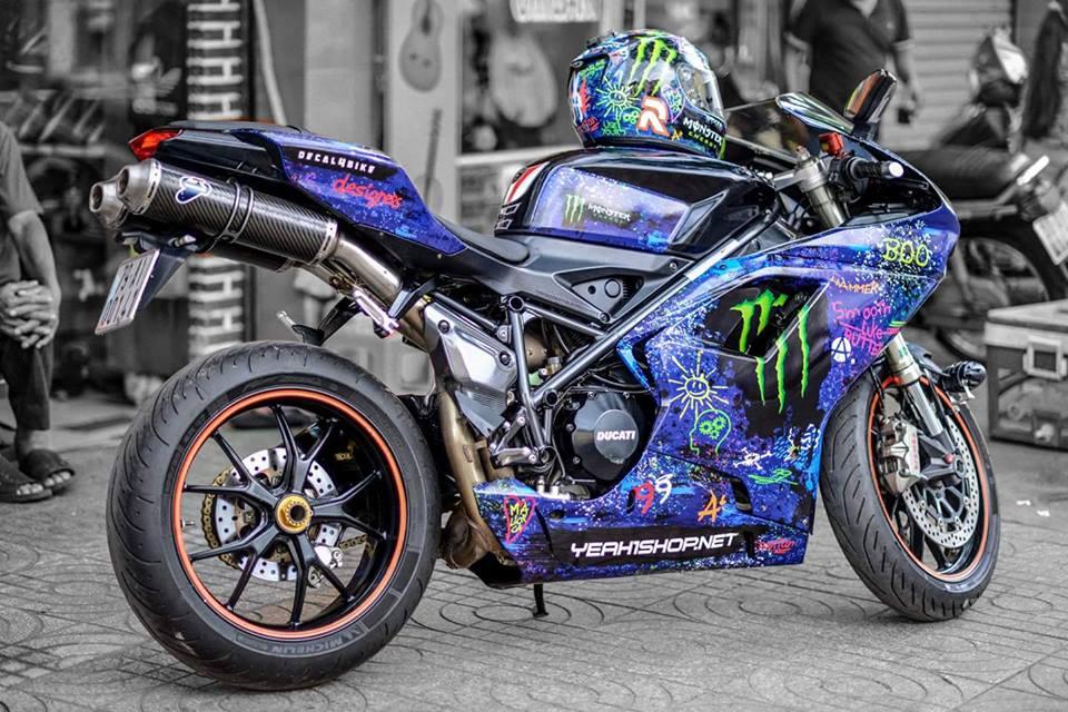 Ducati 848 EVO Corse long lay voi bo canh Decal day an tuong - 10