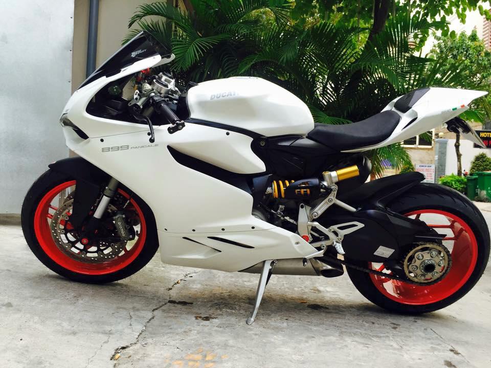Ducati 899 Panigale tuyet dep voi dan chan tu 1199 Panigale
