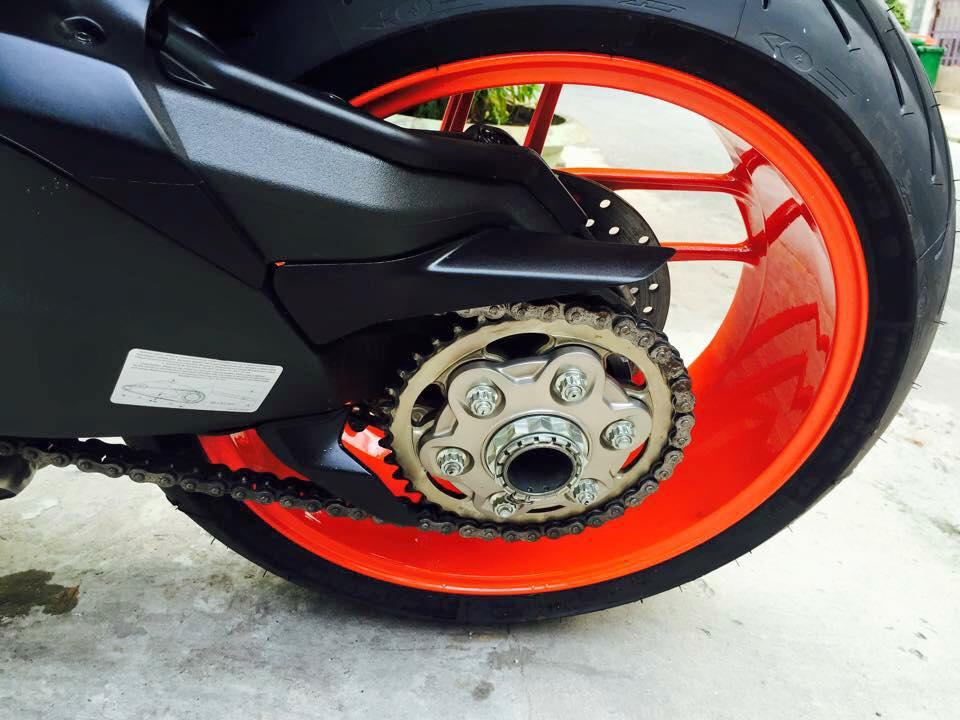 Ducati 899 Panigale tuyet dep voi dan chan tu 1199 Panigale - 8