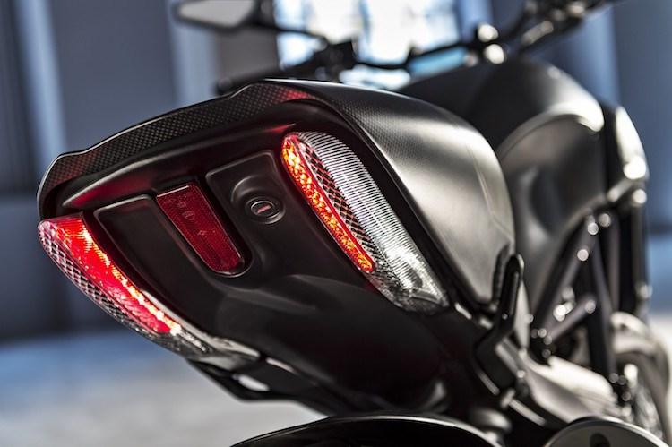 Ducati Diavel Carbon 2016 se dinh hon gap boi phan doi cu - 5