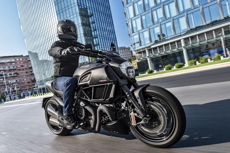 Ducati Diavel Carbon 2016 se dinh hon gap boi phan doi cu - 9