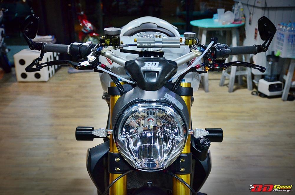 Ducati Monster 1200 do sieu khung voi dan do choi hang hieu - 3
