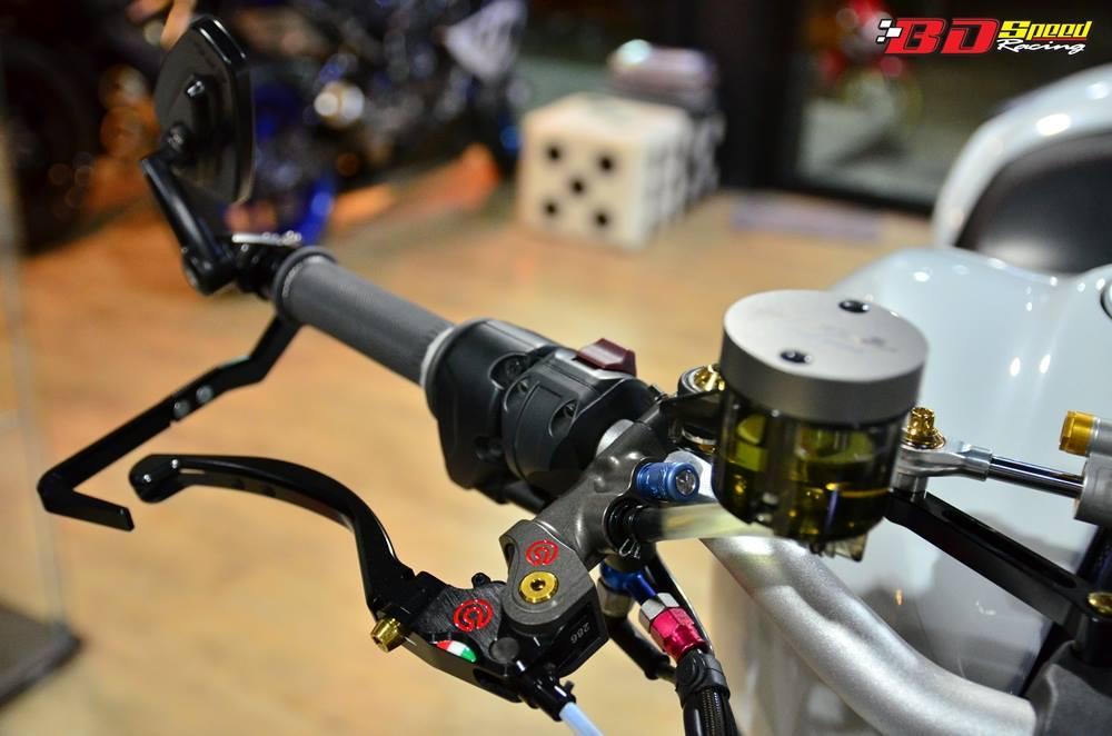 Ducati Monster 1200 do sieu khung voi dan do choi hang hieu - 4